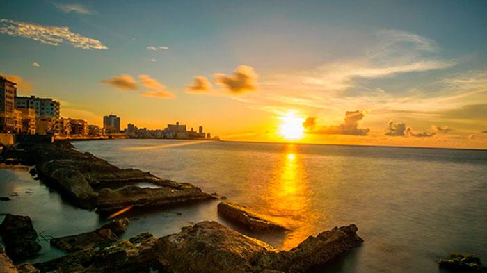 Sunset en el Malecón de La Habana